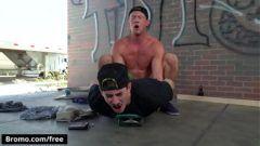 Amigo gay transando deliciosamente em seu primeiro video de sexo grátis