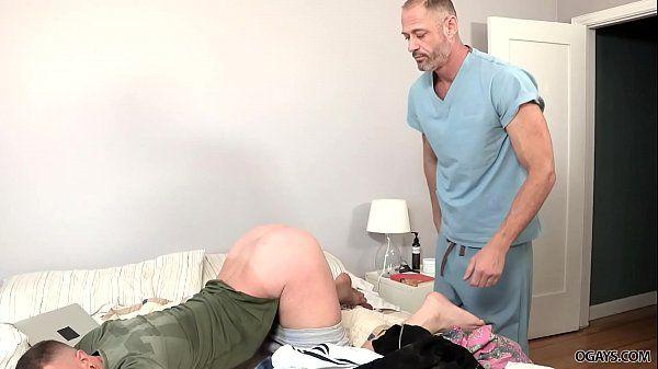 Pai transando com filho em xvideos gay no melhor canal de sexo