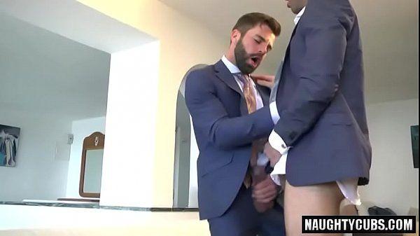 Sexo gay brasileiro com empresarios deliciosos peladinhos