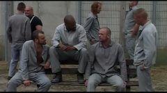 Sexo na prisão com gays sarados perigosos