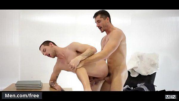 Chefe comendo o cu de seu colega de trabalho