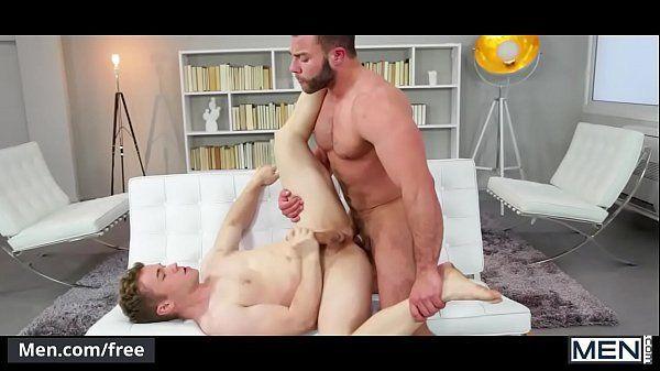 Novinho safado dando seu cu para o vizinho comer