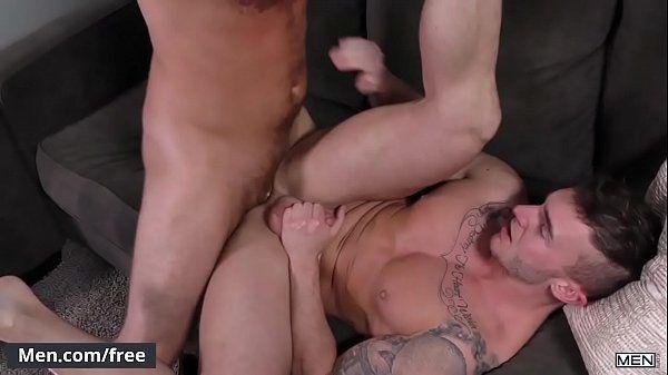 Branquinho da bunda grande fodendo com seu namorado em um belo filme porno