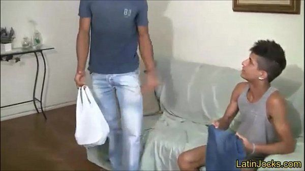 Amigo dj famoso fodendo com rapaz de uma rave