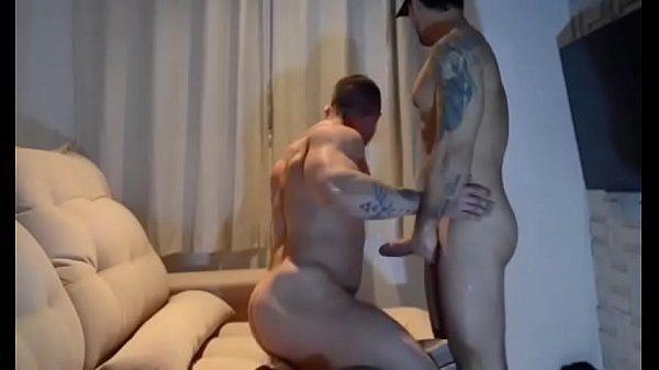 Malhado gay bombando gostoso
