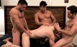 Trio de machos gays fodendo a cucetinha do passivo